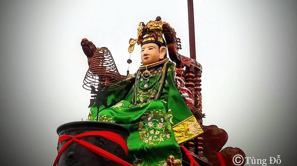 Đền Mẫu Đông Cuông.jpg