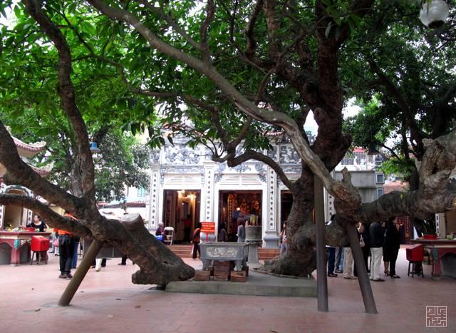 Phu-Tay-Ho-Ha-Noi-DenChuaVietNam.Net-3.jpg