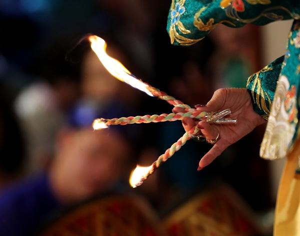 Giao lưu thực hành tín ngưỡng thờ Mẫu Tam phủ của người Việt